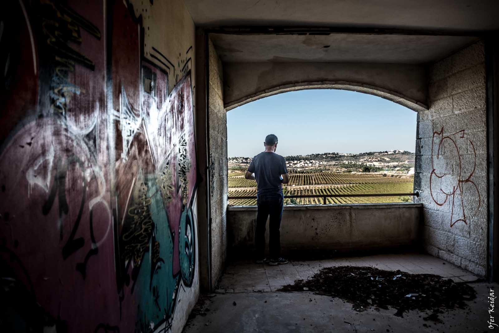 בלוג הצילום מבקר במלון הנטוש ליד צובה, בדרך לירושלים