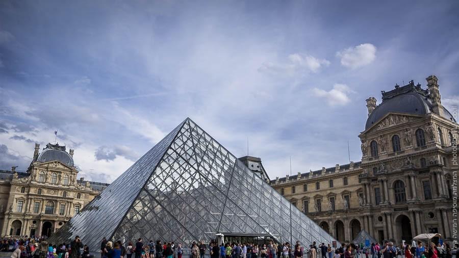 האם באמת כל חופשה בפריז צריכה לעבור בלוברה? אני לא בטוח...
