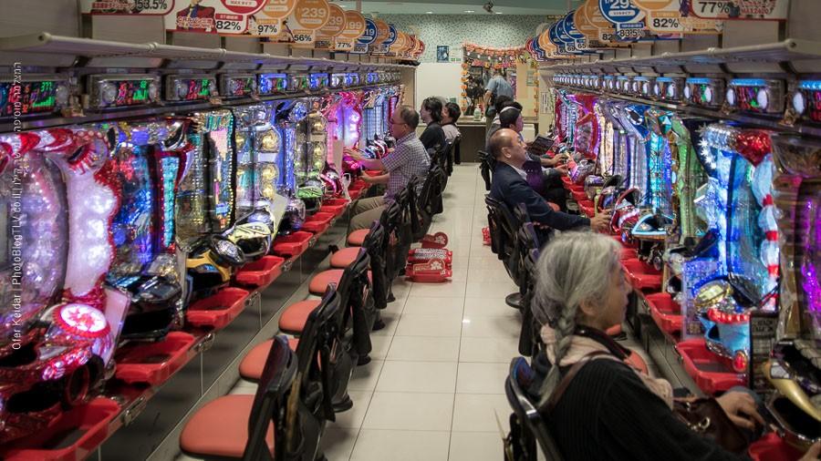 יפן למטייל: מכונות משחק - אטרקציות בטוקיו, יפן | צולם במסגרת טיול ליפן | המצלמה מוסיפה חמישה קילו | בלוג הצילום של עפר קידר