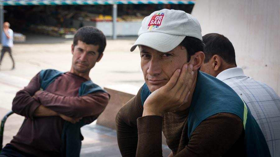 האנשים בשוק צ'ורסו, טשקנט | המצלמה מוסיפה חמישה קילו | עפר קידר