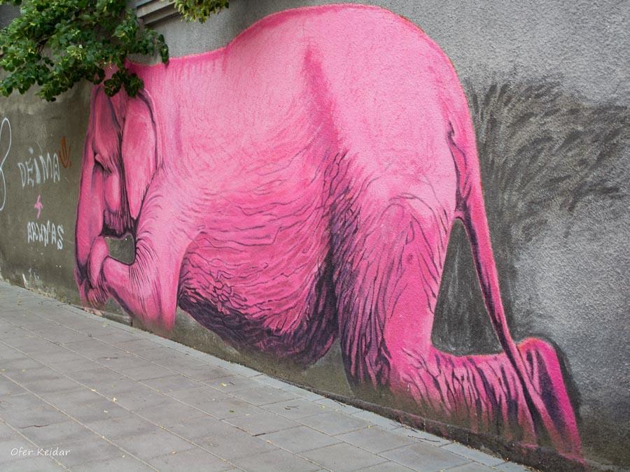הפיל הורוד של קובנה - אמנות רחוב בקובנה למטייל