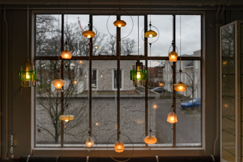 גופי תאורה בחלל התצוגה של פיט היין איק - Piet Hein Eek, איינדהובן